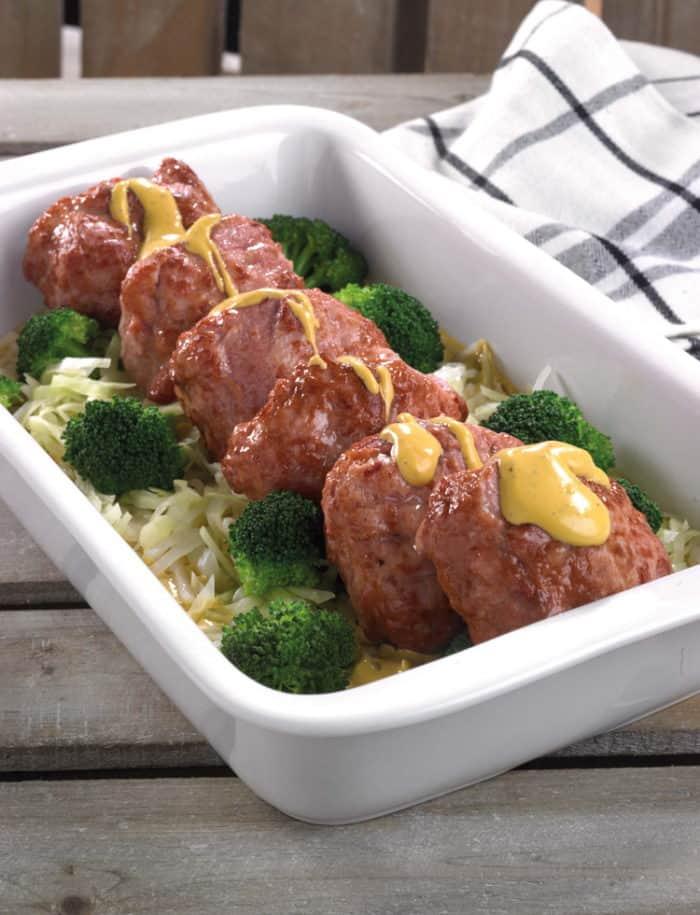 Ovenschotel met kalkoennootje, gestoofde spitskool, broccoli en mosterdsaus